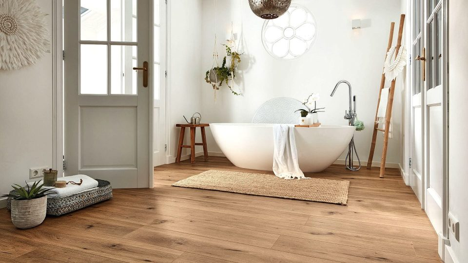 The Benefits and Downsides of Laminate Flooring for Bathrooms